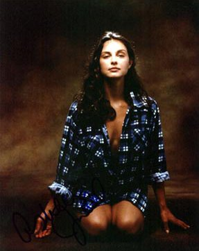 BabeStop - World's Largest Babe Site - ashley_judd015.jpg